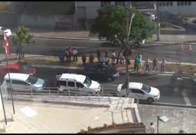 Taxistas se reúnem para pedir justiça durante audiência de ex-corretor de imóveis