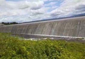Vídeo   Barragem no Sertão transborda após atingir capacidade máxima