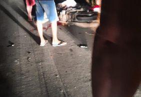 Acidente entre motos deixa duas pessoas mortas