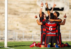 Campinense vence Sousa e leva Campeonato Paraibano
