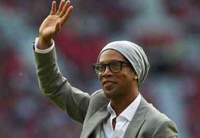 Tribunal de Justiça apreende passaporte de Ronaldinho Gaúcho