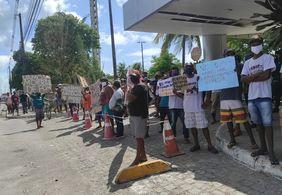 """Carroceiros realizam protesto contra a lei que proíbe a circulação de """"veículos"""" de tração animal"""