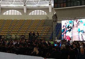 Banda de Gabriel Diniz comparece ao velório do cantor em João Pessoa