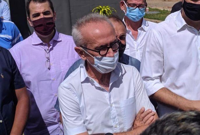 Cícero Lucena em visita ao aterro sanitário no bairro das Indústrias