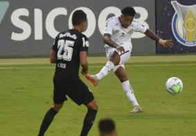 Na estreia de Cuca, Santos vacila no fim e cede empate ao RB Bragantino