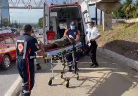 Homem é atropelado na BR-230 próximo à passarela, em João Pessoa
