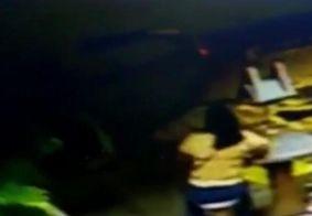 Câmeras de segurança flagram carro suspeito de atropelar guia de Turismo em JP