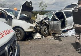 O motorista de um dos veículos não resistiu aos ferimentos e morreu no local.