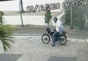 Suspeito foi flagrado trocando de camisa