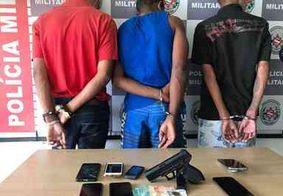 Homens são presos e adolescente é apreendido suspeitos de assaltar ônibus, no Miramar