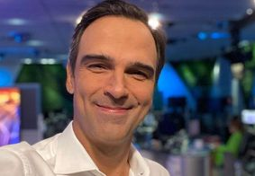"""Tadeu Schmidt faz mistério sobre comando do BBB: """"Depois, eu falo"""""""