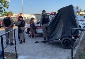 Aposentada suspeita de esfaquear homem é presa em João Pessoa