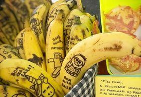 Mãe resolve desenhar em bananas para filho comer melhor e relato viraliza no Instagram