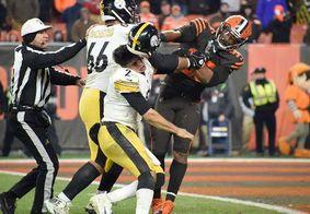 Jogador agride adversário com capacete durante partida de futebol americano nos EUA; veja vídeo