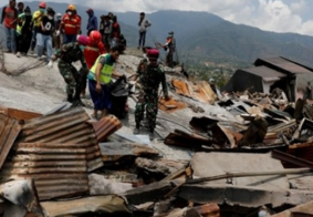 Número de mortos após terremotos e tsunami passa dos 1.500, na Indonésia