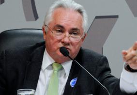 Paraibano Eitel Santiago deixa secretaria-geral da PGR