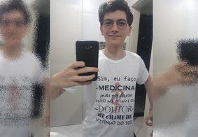 """""""Vittinho do SUS"""" bomba na internet com mensagem: """"Não me chame de doutor"""""""