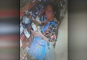 Câmera flagra o momento em que mulher furta produtos em supermercado, na PB