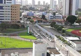 Taxistas pedem aprovação de auxílio emergencial em frente à casa do prefeito de JP