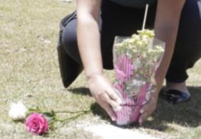 Especialista explica as cinco fases do luto e como superá-lo