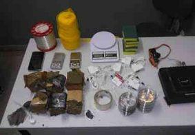 Presa suspeita de tráfico de drogas que monitorava chegada da polícia por câmeras, na PB