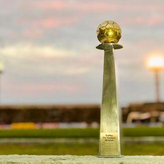 TV Tambaú homenageia futebol paraibano com troféu entregue ao Botafogo-PB