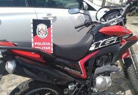 PM prende suspeito de roubo e recupera veículo na Grande João Pessoa