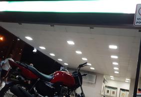 Baleado em tentativa de assalto, motoboy pilota 8 km até hospital em João Pessoa