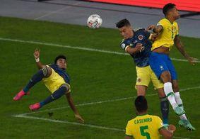 Em jogo polêmico, Brasil vira sobre a Colômbia e garante liderança