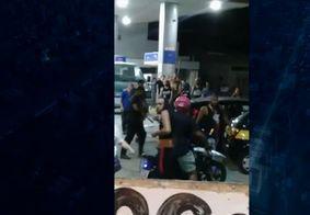 Grupo armado com pedaços de madeira espanca dois torcedores do Vasco