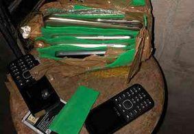 Pacote com celulares e carregadores é apreendido dentro de presídio em JP