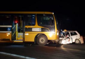 Homem morre após colisão entre ônibus escolar e carro na PB