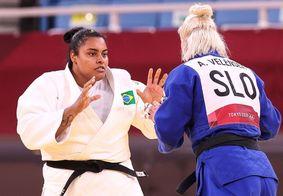 Lesionada em Tóquio, judoca Maria Suelen vai passar por cirurgia no Brasil