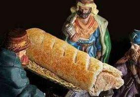 Padaria gera polêmica ao trocar Jesus por pão com salsicha em presépio