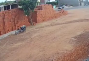 Motoqueiro Fantasma? Flagrante de moto sem piloto intriga moradores na PB; veja