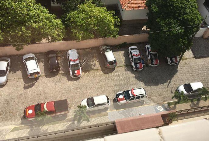 Várias equipes da Polícia Militar foram acionadas ao local
