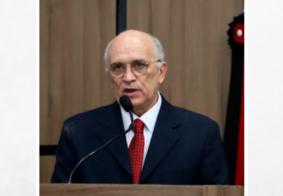 Médico e ex-prefeito de Patos, Ivanes Lacerda, morre vítima da Covid-19