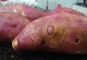 É mais saudável consumir a batata doce com ou sem casca?