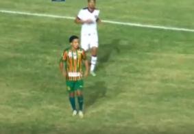 Em jogo polêmico, Sampaio Corrêa e Vitória empatam em 1 a 1