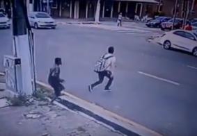 Imagens fortes: Jovem sobrevive a tiro na cabeça ao tentar fugir de assalto