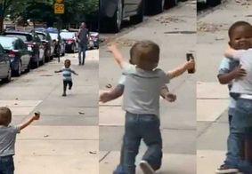 Reencontro de crianças 'inseparáveis' derrete corações e viraliza; assista
