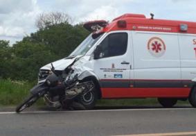 Agricultor morre após colidir moto com ambulância do Samu, na PB