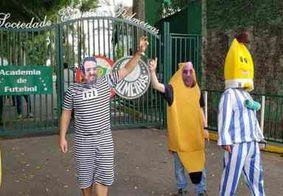 Torcedores do Palmeiras protestam contra presidente com fantasias dos Bananas de Pijamas