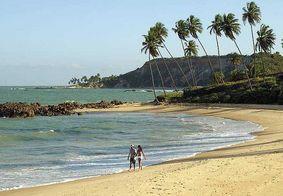 Bandidos fazem arrastão a turistas em praia do Litoral Sul da PB