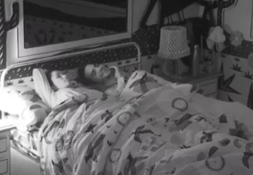Julliete e Fiuk na cama