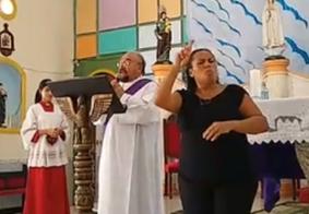 Na PB: durante isolamento, igreja aposta em missa com intérprete de libras