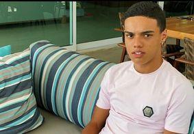 """""""Ninguém me para"""", diz filho de Ronaldinho Gaúcho ao fazer novas tatuagens"""