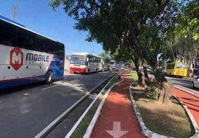 Trabalhadores do turismo e de transportes alternativos protestam em João Pessoa