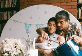 Letícia Colin e Michel Melamed comemoram o primeiro mês do filho Uri; veja