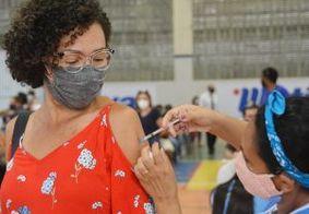 João Pessoa vacina trabalhadores da educação em horário estendido